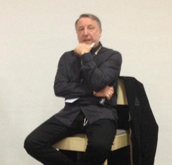 Peter Hook auf der Electri_city Konferenz